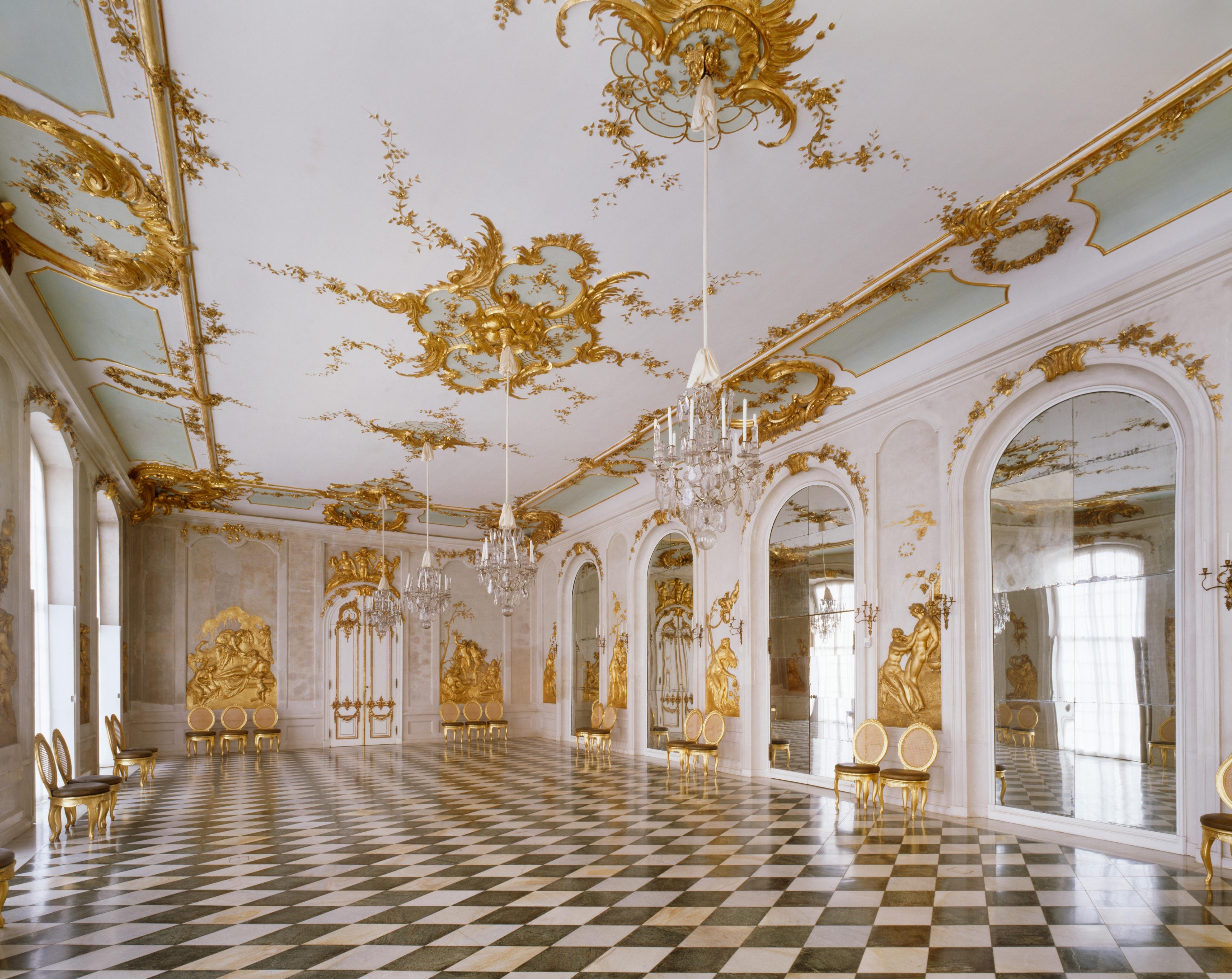 Kronleuchter Behang ~ Kronleuchter mit behang aus glas 12 kerzen :: stiftung preußische